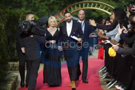 Pamela Anderson i Adil Rami na 28 edycji UNFP (French National Professional Football players Union)